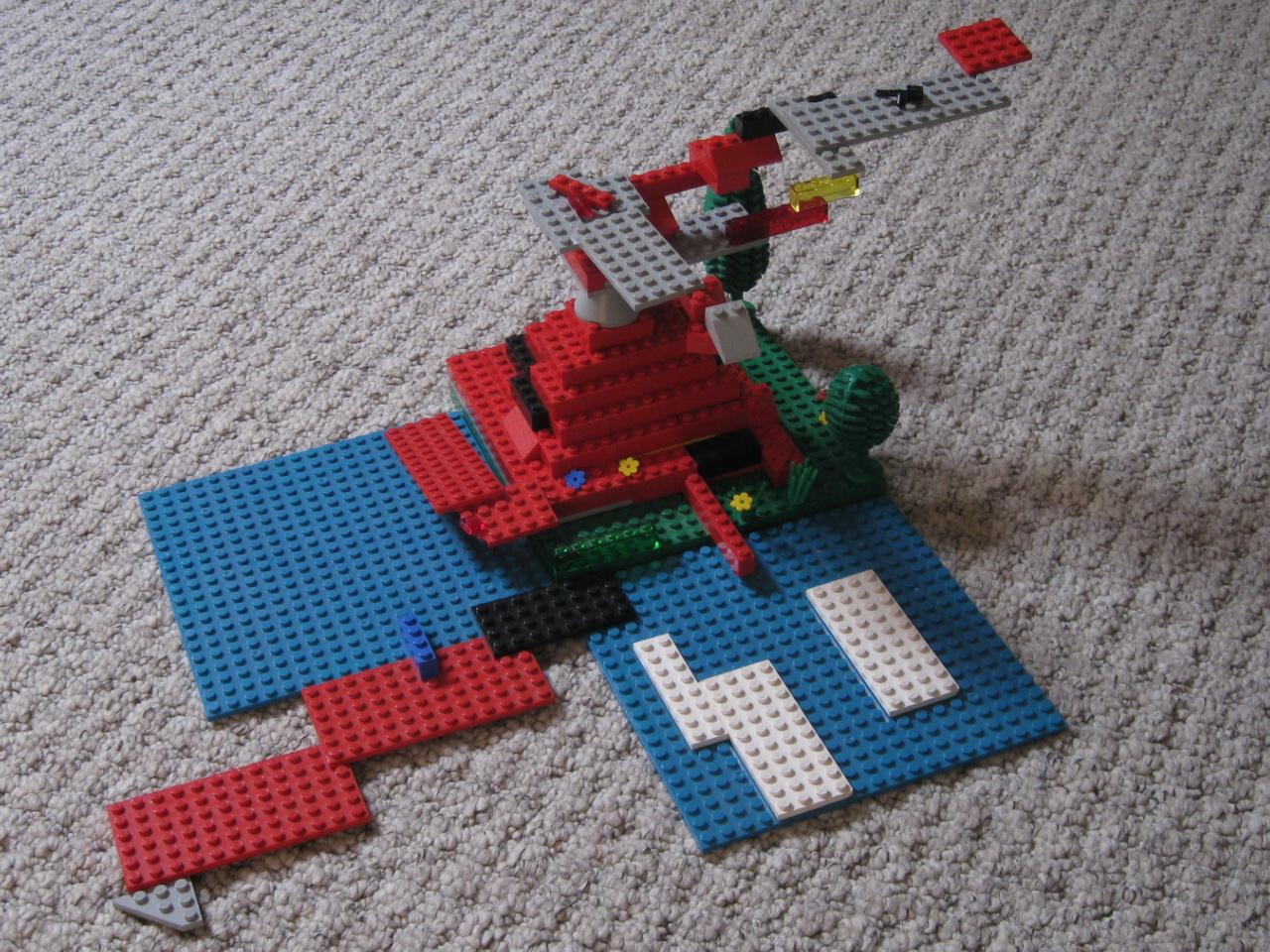 Lego Vesuvius erupting (c) Bryn and Isaac